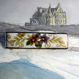 m54B.011 romantic Enamel brooch , vintage style, with decal  violets