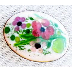 m56A-019 Romantic brooch in enamel with  little  pink flowers
