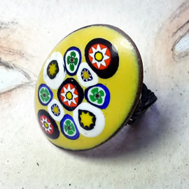 m95p10-035 Ajustable Ring -yellow enamel + Murano millefiori  33x23mm