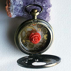 z -HAS BEEN STOLEN FROM ME.  Pendant steamgotik watch  bat