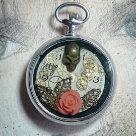 q-09q-20  steampunk-gothic Pendant,  dial,skull,coral flower,cogs in a watchcase
