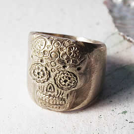 q92q-002 Gotik  unisex ring  in bronze, mexican skull-mask US 8.1/2,your size on order