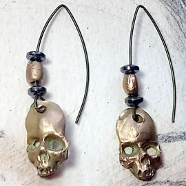 q62q7-004  Gothic earrings , gold bronze skulls, bronze and  Hematit  beads