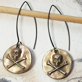 q62q5-005 Gothic earrings , gold bronze skulls(silverbronze and copper possible)