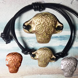 q72q--006 Gothic bracelet, goldbronze/silverbronze/copper mexican skull and black leather