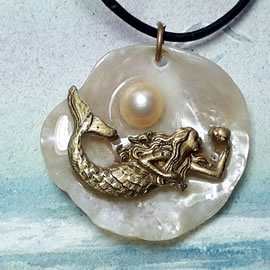 s4210-071 Pendant  handmade bronze mermaid, sweetwater pearls,pink anomia shell