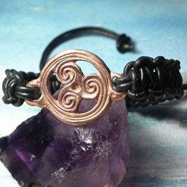 y73b2-012 Unisex Celtic Bracelet - handmade   copper triskele and black leather macrame