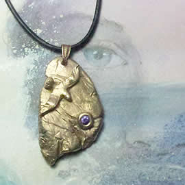 342gz-008 Bronze pendant, meteorite-Seagull +violet zirconia, black leather